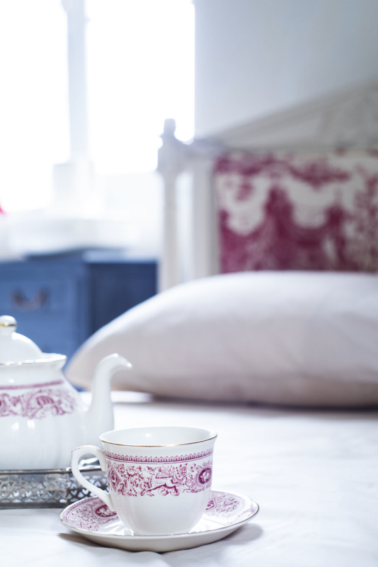 Badkamer Chambre Blanche thee op bed