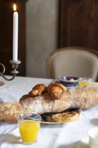 Ontbijt Chateau des Chauvaux croissants en pain